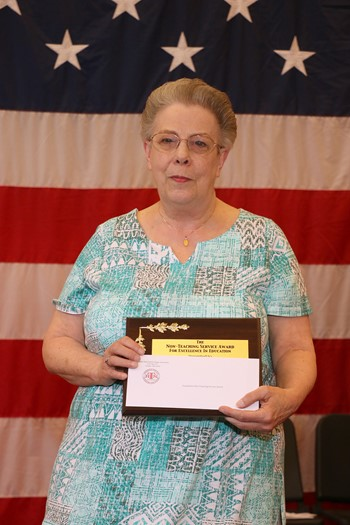 Cindy Hritz Receives Service Award